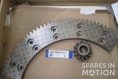 Gear wheel and segment for pitch 1MW 0